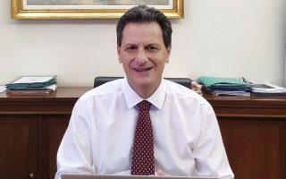 «Σχεδιάζουμε κι άλλα μέτρα για την επανεκκίνηση της οικονομίας, την επόμενη μέρα, καθώς και επιστροφή στον σχεδιασμό της κυβέρνησης για φοροελαφρύνσεις και μείωση ασφαλιστικών εισφορών για την τόνωση των επενδύσεων στο στάδιο εκείνο», τονίζει στην «Κ» ο κ. Θεόδωρος Σκυλακάκης.