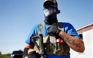 Οι ένοπλες πολιτοφυλακές στο Τέξας συχνά διασφάλισαν την επαναλειτουργία επιχειρήσεων.