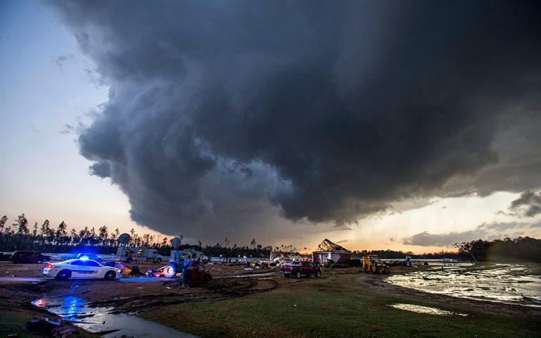 Καταστροφικότεροι οι τυφώνες