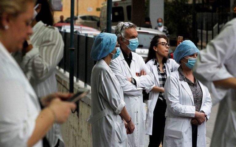 Συγκεντρώσεις διαμαρτυρίας στις πύλες των νοσοκομείων την Τρίτη από την ΠΟΕΔΗΝ