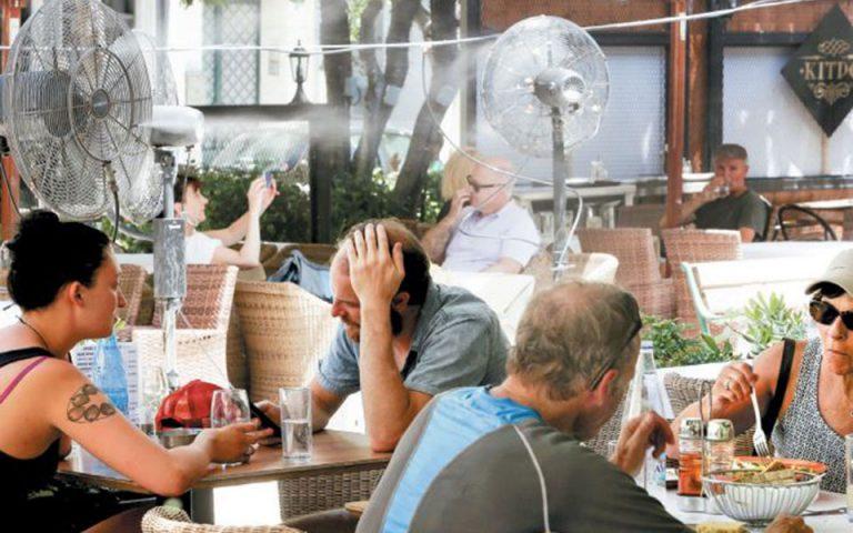 Στο… τραπέζι η ελαστικοποίηση των περιορισμών για την εστίαση