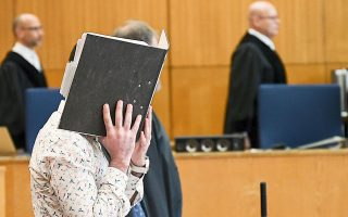 Ο κατηγορούμενος, ο οποίος φέρεται να ανήκε στις τάξεις του Ισλαμικού Κράτους, αντιμετωπίζει την ποινή της ισόβιας κάθειρξης.