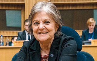 «Η Ευρώπη πρέπει να στραφεί στις θεμελιώδεις αρχές της για να θέσει τις βάσεις για το μέλλον», λέει η κ. Φερέιρα.