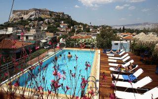 Τουλάχιστον τέσσερις μεγάλοι ελληνικοί ξενοδοχειακοί όμιλοι διαβεβαιώνουν την «Κ» πως έχουν πλήθος ενεργών κρατήσεων τόσο της TUI και της DER Touristik όσο και της Alltours και της FTI GROUP. Πρόκειται για κρατήσεις οι οποίες έγιναν μέχρι και τους πρώτους μήνες του έτους.