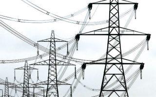 Εξαιτίας των περιοριστικών μέτρων, των κλειστών γραφείων και εργοστασίων, η ζήτηση για ηλεκτρικό ρεύμα μειώθηκε στη Βρετανία κατά περίπου 15% τον Απρίλιο, ενώ ταυτόχρονα τα πάρκα με ανεμογεννήτριες και φωτοβολταϊκά καθώς και τα πυρηνικά εργοστάσια συνέχιζαν να παράγουν ηλεκτρισμό. Την προηγούμενη Παρασκευή, οι τιμές ρεύματος έφτασαν έως και τα -85 δολάρια ανά μεγαβατώρα.