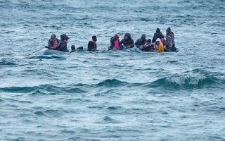 Ενόσω ο υπόλοιπος κόσμος σκέπτεται πώς θα μπορούσε να δράσει στα κύματα μετανάστευσης από «έξω» προς τη Δύση, εμείς θα πρέπει να δρούμε σκεπτόμενοι, μέσα στα περιθώρια των διεθνών συμφωνιών για τη μετανάστευση.