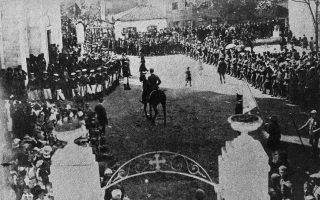 Είσοδος του υποστρατήγου Κωνσταντίνου Μαζαράκη-Αινιάν στην Αλεξανδρούπολη.