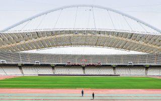 H καραντίνα ευνόησε τον χλοοτάπητα του Ολυμπιακού Σταδίου, που είναι σήμερα πιο ζωντανός από ποτέ. Με την αλλαγή των δύο εστιών, το γήπεδο επιστρέφει ανανεωμένο στην... κανονικότητα. ΝΙΚΟΣ ΚΟΚΚΑΛΙΑΣ
