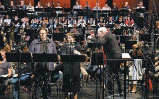 Σκηνή από την παγκόσμια πρώτη ηχογράφηση της «αποκαθαρμένης» εκδοχής της όπερας «Ο πύργος Ντουράντε».