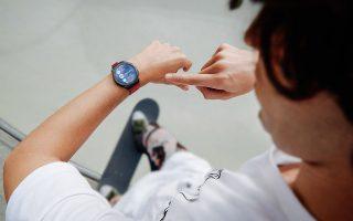 neo-smartwatch-huawei-watch-gt-2e-me-anavathmismenes-leitoyrgies-kai-100-programmata-athlisis0