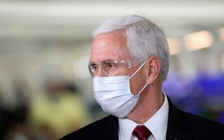 U.S. Vice President Mike Pence visits the General Motors Components Holding Plant that is manufacturing ventilators for use during the coronavirus disease (COVID-19) outbreak, in Kokomo, Indiana, U.S. April 30, 2020.  REUTERS/Chris Bergin