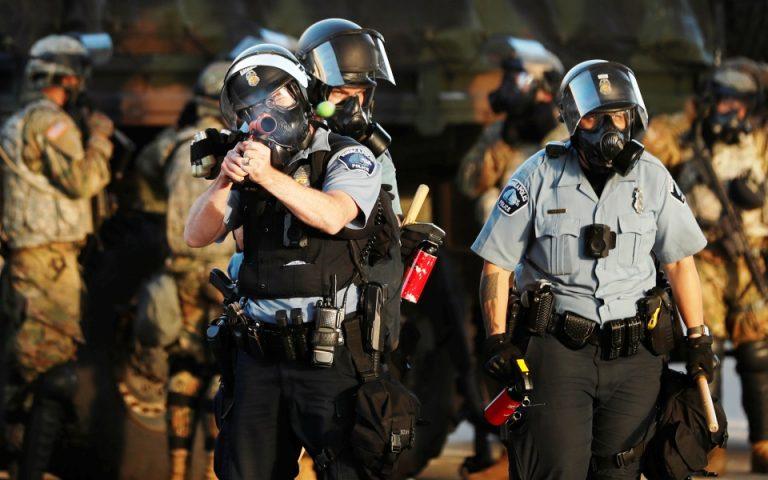 Σε πλήρη κινητοποίηση στρατός και Εθνοφρουρά στη Μινεάπολη για την πιο βίαιη νύχτα