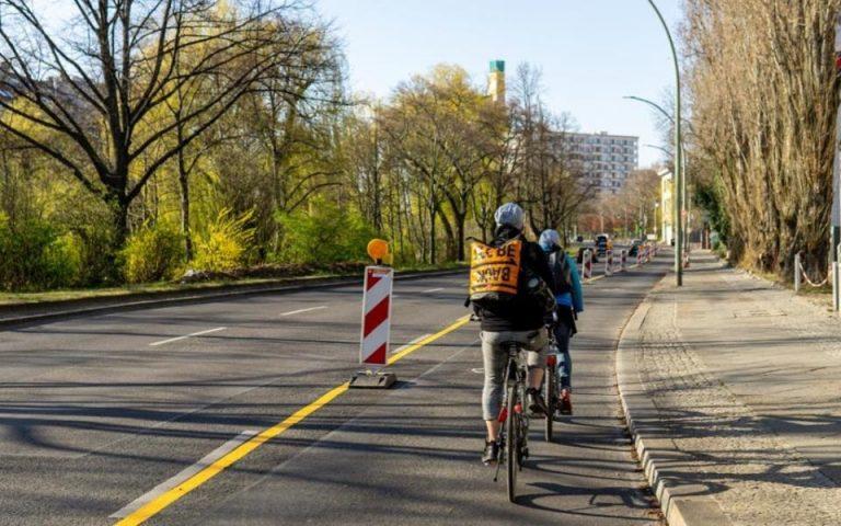 Δημιουργούνται προσωρινοί ποδηλατόδρομοι και πεζόδρομοι – Τι προβλέπει η τροπολογία