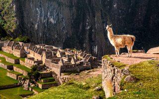 Μάτσου Πίτσου. Άποψη της αρχαίας πόλης των Ίνκα στο Περού.  © VISUALHELLAS.GR
