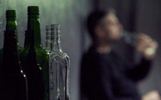 mexiko-100-nekroi-apo-notheymeno-alkool-kathos-stereyoyn-ta-apothemata-mpyras-logo-tis-pandimias0