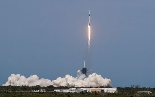 A SpaceX Falcon 9 rocket and Crew Dragon spacecraft carrying NASA astronauts Douglas Hurley and Robert Behnken lifts off during NASA?s SpaceX Demo-2 mission to the International Space Station from NASA?s Kennedy Space Center in Cape Canaveral, Florida, U.S. May 30, 2020. REUTERS/Thom Baur