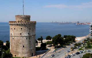 A general view of the White Tower and the seaside promenade following the coronavirus disease (COVID-19) outbreak, in Thessaloniki, Greece, April 27, 2020. Picture taken April 27, 2020. REUTERS/Murad Sezer