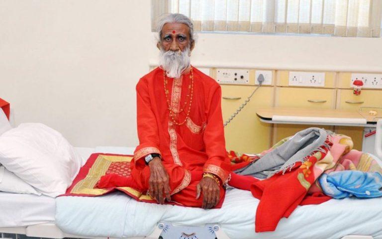 Πέθανε διάσημος Ινδός γιόγκι που ισχυριζόταν ότι δεν είχε φάει ή πιει για 80 χρόνια (βίντεο)