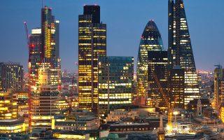 Σύμφωνα με τη σχετική έκθεση, η κεφαλαιαγορά της Ευρωπαϊκής Ενωσης πρέπει να περιορίσει την εξάρτησή της από το Λονδίνο.