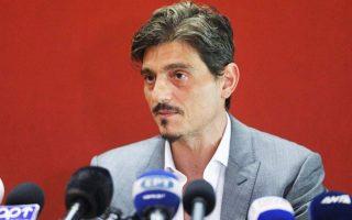 Τρεις ημέρες μετά την ανακοίνωση αποχώρησής του από την ΚΑΕ,  ο Δημήτρης Γιαννακόπουλος κλείνει και το δεύτερο «κεφάλαιο» ενασχόλησης της οικογένειάς του με τα κοινά των «πρασίνων».