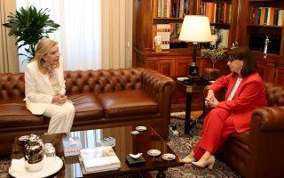 Η Πρόεδρος της Δημοκρατίας με την κ. Μαριάννα Βαρδινογιάννη.