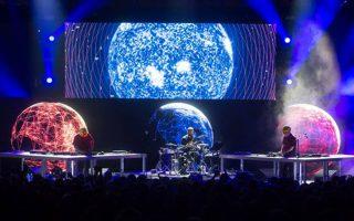 Η συναυλία των Στέρεο Νόβα στο πλαίσιο του Summer Nostos Festival αναμεταδίδεται απόψε στο snfestival.org.
