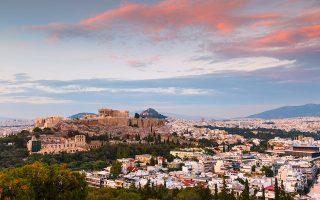 «Τη συστηματική καταστρατήγηση της αρχαιολογικής νομοθεσίας και των διοικητικών διαδικασιών» από την Εφορεία Αρχαιοτήτων Αθηνών διαπιστώνει, μεταξύ άλλων, το πόρισμα της ΕΔΕ που είχε παραγγελθεί το 2019 για τον χειρισμό της υπόθεσης του 10ώροφου ξενοδοχείου της οδού Φαλήρου, αποκαλύπτοντας ένα χρόνιο πρόβλημα πέριξ της Ακρόπολης (φωτ. Shutterstock).