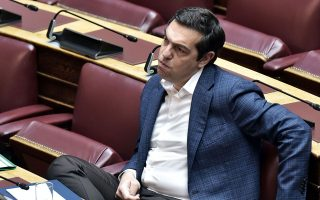 Ο κ. Τσίπρας δεν βιάζεται να ζητήσει προσφυγή στις κάλπες. Ωστόσο, εντός του ΣΥΡΙΖΑ η συμφιλίωση μεταξύ των τάσεων δεν έχει επέλθει και η αντιπολιτευτική τακτική εξακολουθεί να διχάζει. INTIME NEWS