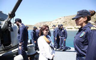 «Η Ελλάδα δεν είναι διατεθειμένη να απεμπολήσει κυριαρχικά της δικαιώματα ή να αποδεχθεί αμφισβητήσεις εθνικών εδαφών», τόνισε η Πρόεδρος της Δημοκρατίας Κατερίνα Σακελλαροπούλου από το Αγαθονήσι.