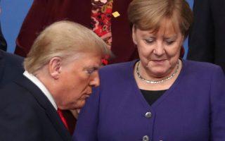 Το Fox News θεωρεί ότι ο Τραμπ ορθώς θέλει να αποχωρήσουν οι Αμερικανοί στρατιώτες από τη Γερμανία, αφού η Μέρκελ έχει διαφοροποιηθεί από την Ουάσιγκτον: από τη συμφωνία με το Ιράν μέχρι τη σύγκρουση με το Πεκίνο. (ΦΩΤ.A.P.)
