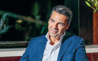 Ο κ. Σταθόπουλος σημειώνει ότι θα γίνουν επενδύσεις σε υψηλής ποιότητας τηλεοπτικό περιεχόμενο, και τοπικό αλλά και από τις διεθνείς αγορές, για να βελτιωθεί το προϊόν της εταιρείας και να αυξηθούν οι συνδρομητές της.