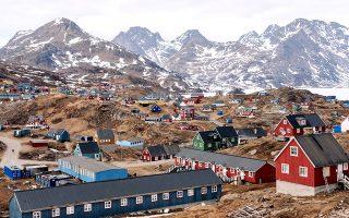 Η πόλη Tasiilaq στις νοτιοανατολικές ακτές της Γροιλανδίας. © Filip-Gielda-Unsplash