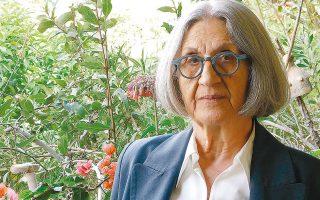 «Η Μάρω Δούκα θα μπορούσε να ονομαστεί η κορυφαία Ελληνίδα πεζογράφος της Μεταπολίτευσης», λέει η κριτικός λογοτεχνίας Ελισάβετ Κοτζιά.
