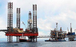 «Η άνοδος της τιμής του πετρελαίου περιορίζει απλώς τη χασούρα» τονίζουν από την Energean, επισημαίνοντας ότι το πρόβλημα εντοπίζεται στο κόστος παραγωγής, το οποίο, όπως αναφέρουν, εάν δεν αναπτυχθεί το νέο κοίτασμα «Ε», θα επιβαρύνεται συνεχώς (φωτ. ΑΠΕ).