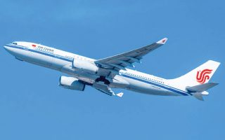 Η απαγόρευση πτήσεων αφορά μεταξύ άλλων τις Air China, China Eastern Airlines, China Southern Airlines και Hainan Airlines Holding.