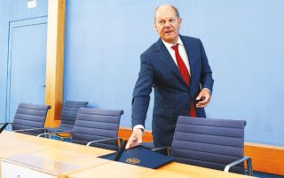 O υπουργός Οικονομικών, Ολαφ Σολτς, παρουσίασε τον δεύτερο συμπληρωματικό προϋπολογισμό του Βερολίνου σε λιγότερο από τρεις μήνες.