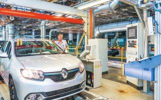 Η κυβέρνηση απαίτησε από τη Renault μια προσέγγιση ανά εργοστάσιο και ανά θέση εργασίας, προειδοποιώντας ότι το κλείσιμο των μονάδων θα πρέπει να είναι η ύστατη λύση.