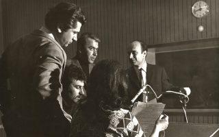 «Χάρη στον Παύλο Μπακογιάννη οι ακροατές της ελληνικής εκπομπής της Βαυαρικής Ραδιοφωνίας σχημάτιζαν μια πλήρη εικόνα για τις αντιδικτατορικές δραστηριότητες στην Ελλάδα, η οποία συνδυαζόταν πάντα με αιχμηρή, αλλά εμπεριστατωμένη κριτική κατά του δικτατορικού καθεστώτος», γράφει ο Νίκος Παπαναστασίου. ΑΡΧΕΙΟ ΟΙΚΟΓΕΝΕΙΑΣ ΜΠΑΚΟΓΙΑΝΝΗ