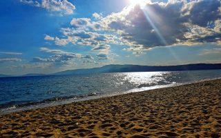 H παραθαλάσσια περιοχή της Τούζλας, επισήμως ονομάζεται Παραλία Οφρυνίου - Φωτ. SHUTTERSTOCK