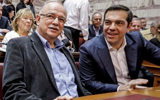 al-tsipras-nomimi-alla-lathos-i-ependysi-papadimoyli-2383920