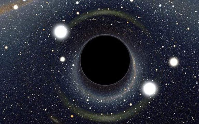 Πελώρια μαύρη τρύπα τρέφεται καθημερινά… με έναν δικό μας ήλιο