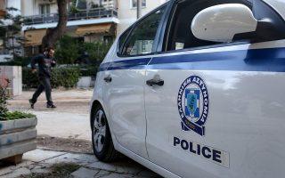 Επειτα από πολύμηνη παρακολούθηση, συνελήφθησαν έντεκα άτομα, ενώ εξιχνιάστηκαν 32 υποθέσεις εκβιασμού καταστηματαρχών. (Φωτ. INTIME NEWS)