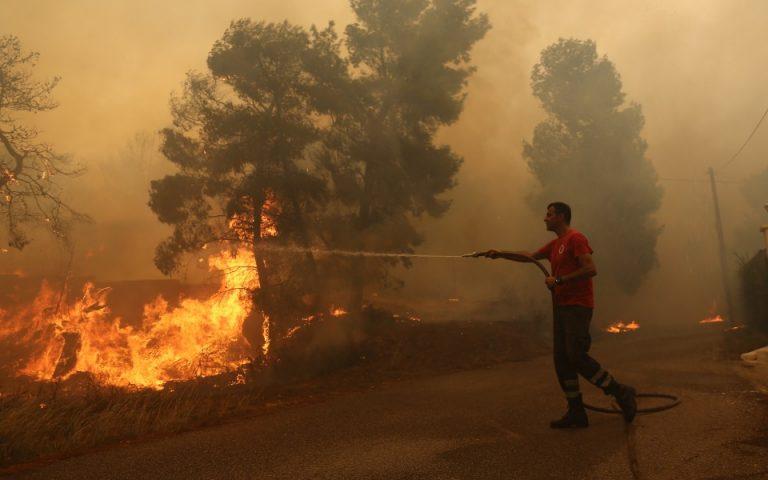 Πυρκαγιά στις Κεχριές Κορινθίας, εκκενώθηκε προληπτικά παιδική κατασκήνωση – Φωτιά και στην Κάτω Αχαΐα (βίντεο)
