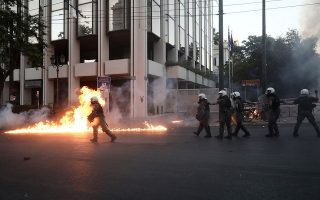 entasi-kai-chimika-sto-syntagma0