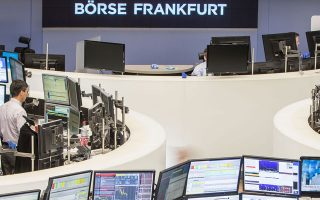 Ο DAX στη Φρανκφούρτη υποχώρησε κατά 3,45%.