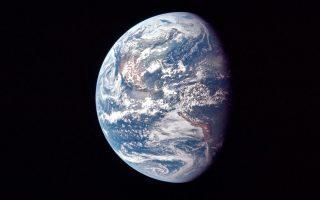 enas-trelos-trelos-kosmos-2387626