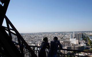 Το σύμβολο της Γαλλίας παρέμεινε κλειστό, λόγω κορωνοϊού, για τη μακρύτερη περίοδο από τον Β΄ Παγκόσμιο Πόλεμο.