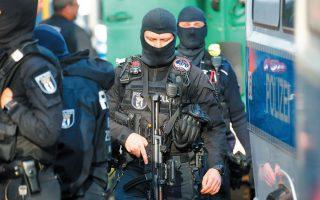 Η Γερμανία και η Γαλλία έχουν εξοπλίσει τους αστυνομικούς διαφόρων υπηρεσιών με φορητές κάμερες «σώματος» και έχουν δοκιμάσει στην πράξη την αποτελεσματικότητά τους. (Φωτ. REUTERS)