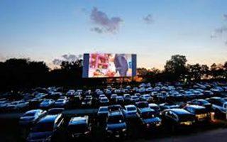 Προβολή της ταινίας «The Company Men», στο Drive In Festival του Δήμου Γλυφάδας.