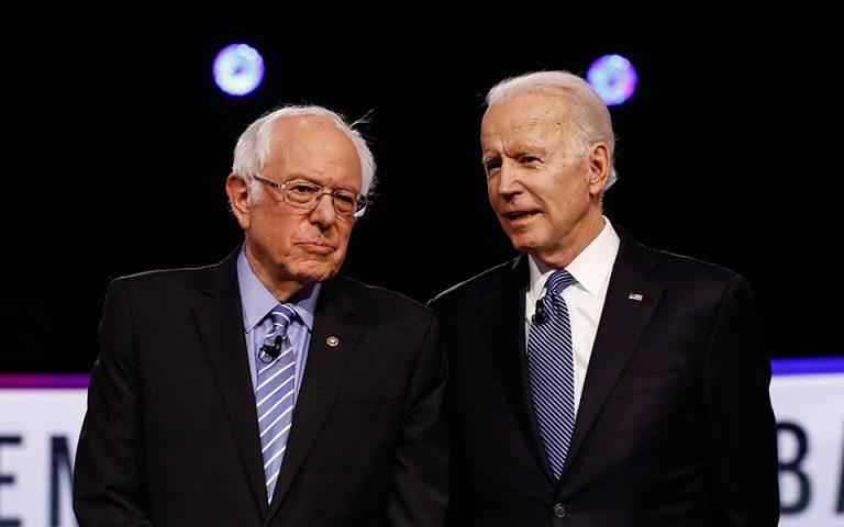 ΗΠΑ: Μπάιντεν και Σάντερς επιχειρούν να συσπειρώσουν τους Δημοκρατικούς